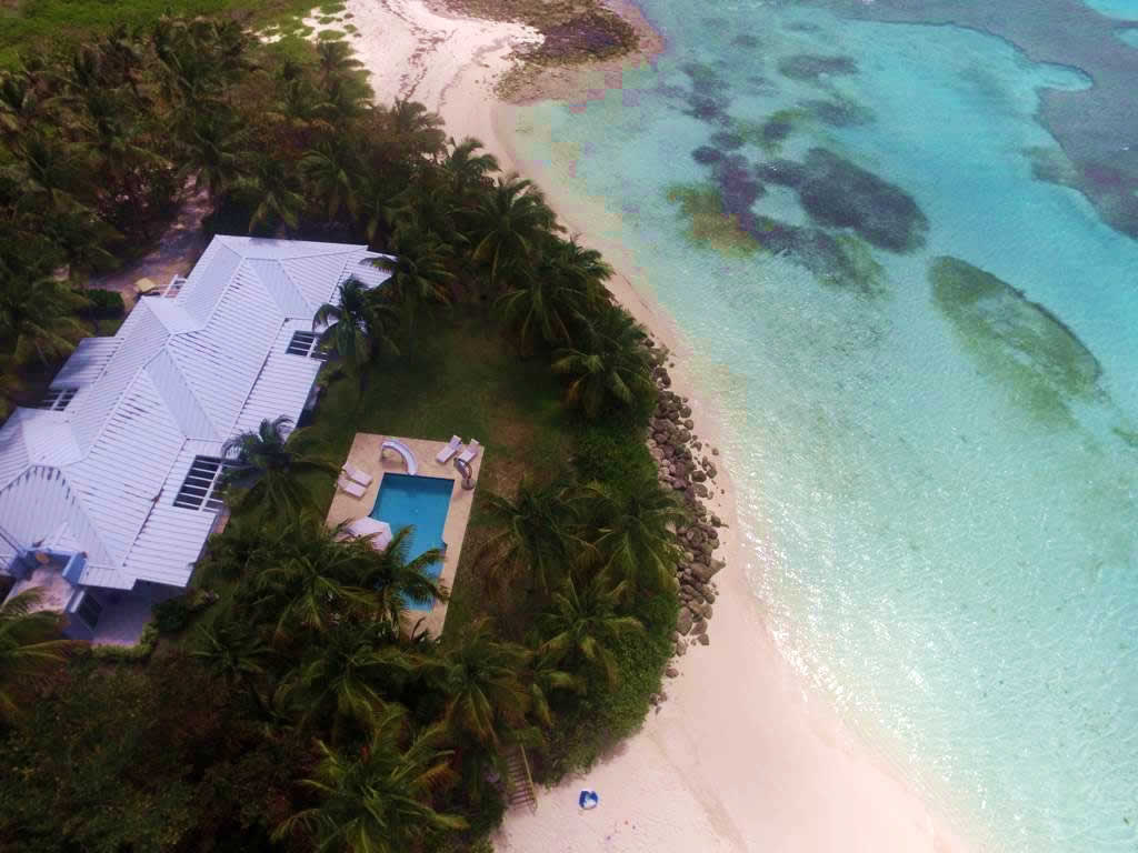 Bahamas All Inclusive >> Frozen Cay - The Berry Islands, Bahamas , Caribbean - Private Islands for Sale