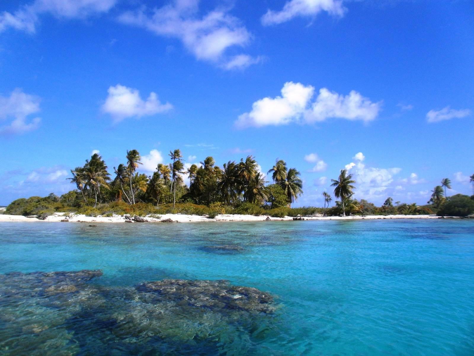 Motu Pakirikiri - French Polynesia, South Pacific - Private Islands for Sale
