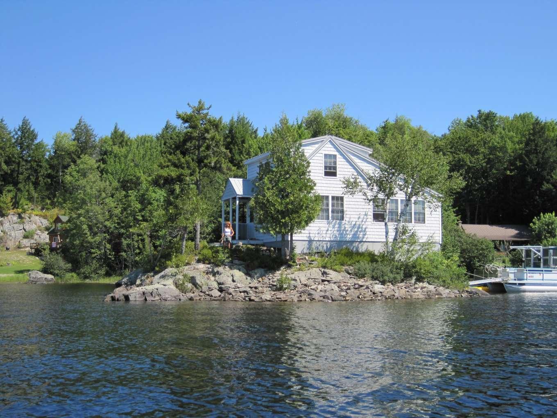 Richard Uzelac Private Island Reviews
