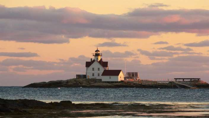 Inn At Cuckold S Lighthouse Maine United States