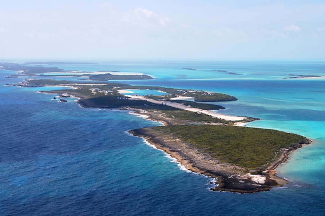 Cave cay the exumas bahamas caribbean private for Bahamas private island for sale